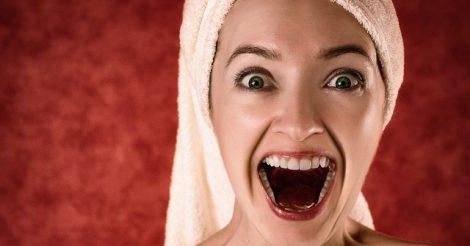 5 Cara Alami Memutihkan Gigi