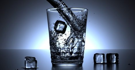 Bahaya Minum Air Dingin Setelah Makan
