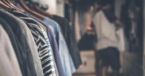 5 Jenis Pakaian yang Harus Dimiliki Oleh Remaja Laki-laki
